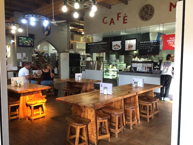 macadamia castle cafe in byron bay
