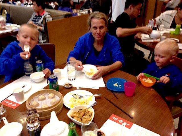 best dumpling restaurant hong kong food pic