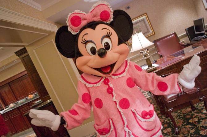 hong kong disneyland best family hotels in hong kong minnie mouse