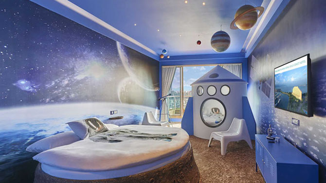 themed-room-outer-space-family hotel hong kong