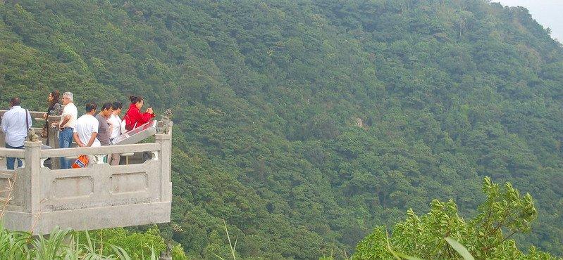 viewing platform at the peak hong kong pic by ian bruce flickr
