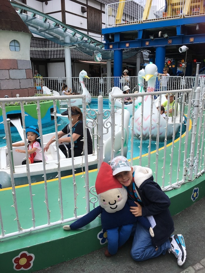 Hanayashiki theme park in Asakusa with Roam the Gnome