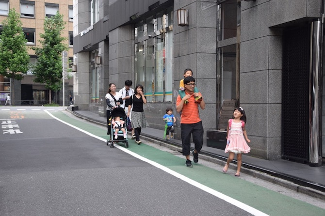 tokyo toy museum follow the people