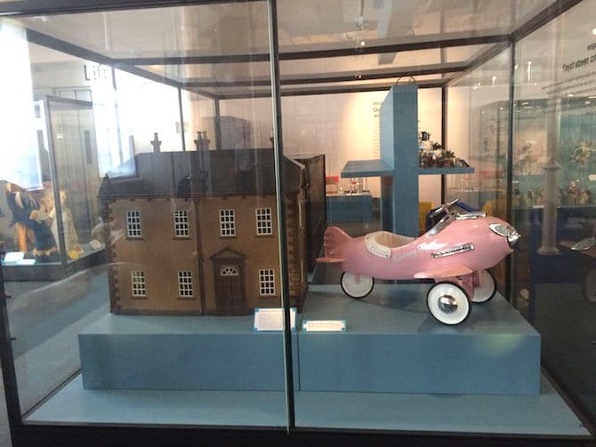 museum of childhood london review old toys