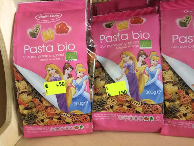 What to Buy in Rome- Fun pasta princesses.Visit www.roamthegnome.com. Our Family Travel Directory for MORE SUPER DOOPER FUN ideas for family-friendly weekend adventures and travel with kids, all over the world. Search by city. Rated by kids and our travelling Gnome.