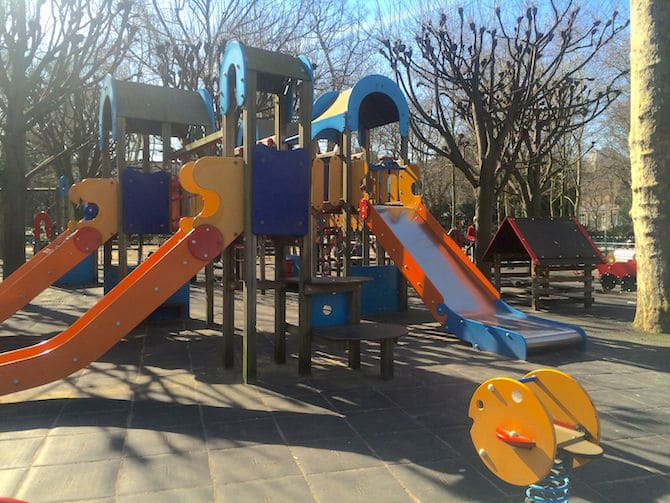 Kids Paris. Jardin du Luxembourg Playground slides. For more SUPER DOOPER FUN ideas for family-friendly weekend adventures and travel with kids, all over the world, visit our FAMILY TRAVEL DIRECTORY www.roamthegnome.com. Search by city. Rated by kids and our travelling Gnome.