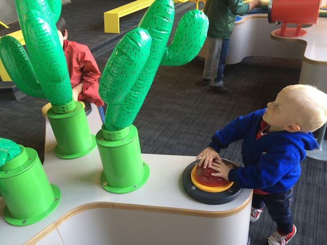 Paris with Toddlers and Kids. Cite Des Enfants paris science museum Balloons.