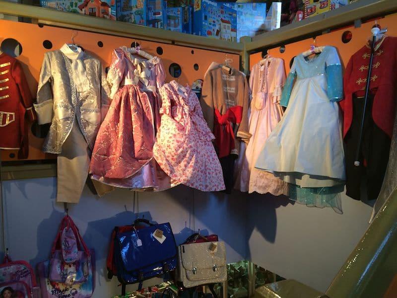 Toy stores in Paris-Queen dress ups copy 2