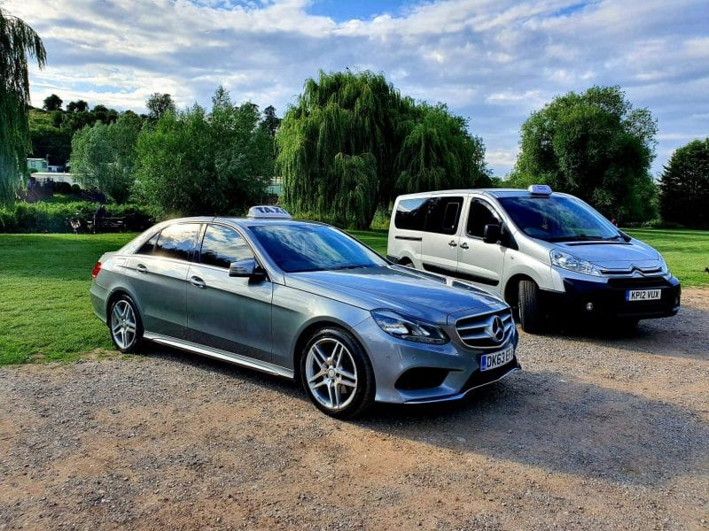 holiday taxis paris airport transfers