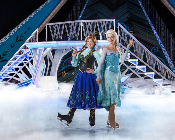 Disney-on-Ice-Frozen-sisters-2