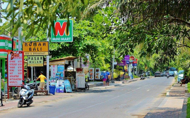 bali street pic