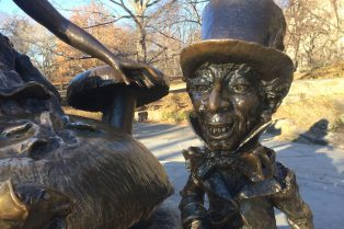 Visit Roam the Gnome Family Travel Directory for MORE SUPER DOOPER FUN ideas for family-friendly travel. Photo- Alice in Wonderland Statue_mad hatter