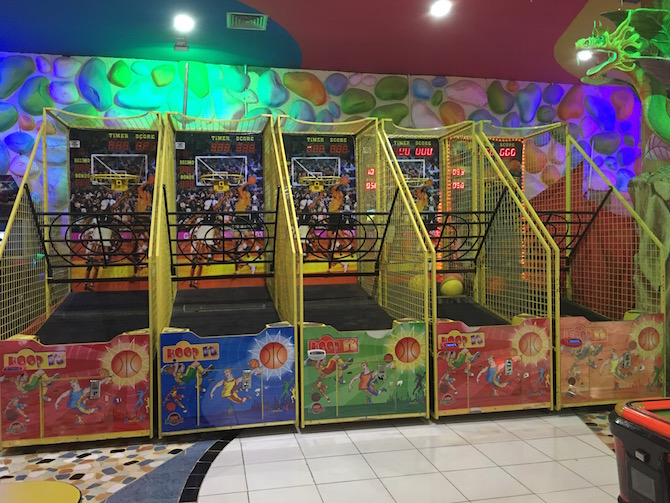Visit ROAM THE GNOME Family Travel Directory for MORE SUPER DOOPER FUN ideas for family-friendly travel around the world. Search by City. Photo - Bali holidays with kids. Amazone indoor playground Discovery Mall Bali basketball hoops