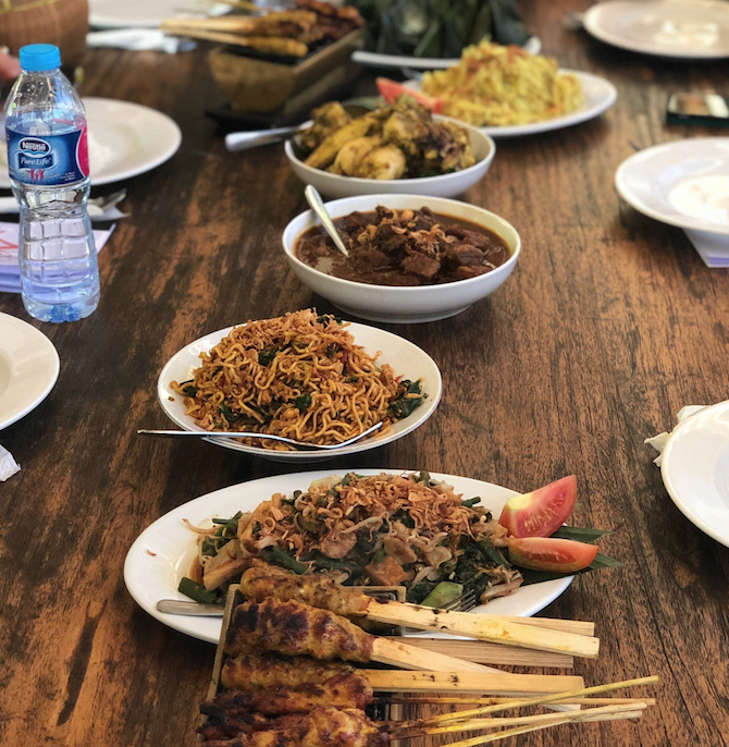 Visit Roam the Gnome Family Travel Directory for MORE SUPER DOOPER FUN ideas for family travel. Search by City. Photo- Warung Nia Cooking School Seminyak dishes