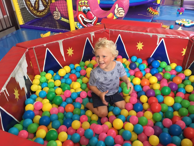 Visit ROAM THE GNOME Family Travel Directory for MORE SUPER DOOPER FUN ideas for family-friendly travel around the world. Search by City. Photo Yard Apes Indoor play centre Gold Coast ball pit 1