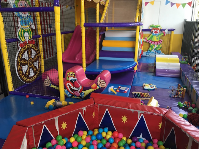 Visit ROAM THE GNOME Family Travel Directory for MORE SUPER DOOPER FUN ideas for family-friendly travel around the world. Search by City. Photo Yard Apes Indoor play centre Gold Coast toddlers