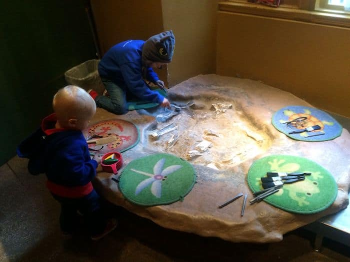 Discovery Room at Museum of Natural History. Visit ROAM THE GNOME FAMILY TRAVEL WEBSITE. Hundreds of fun ideas & activities to help you plan & book your next family vacation or weekend adventure