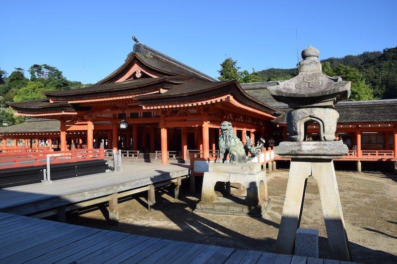 Miyajima Day Trip to miyajima island shrine - boardwalk pic