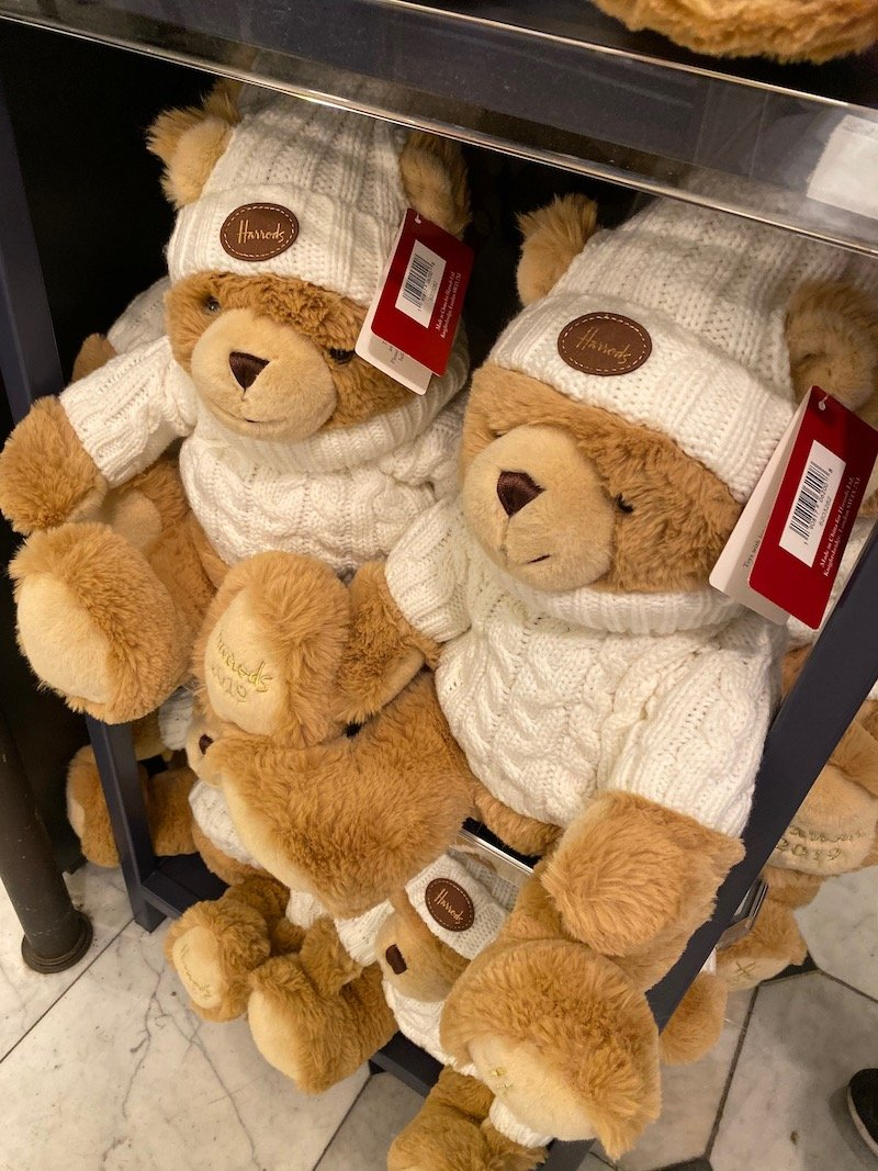 harrods annual bear joshua 2019 pic