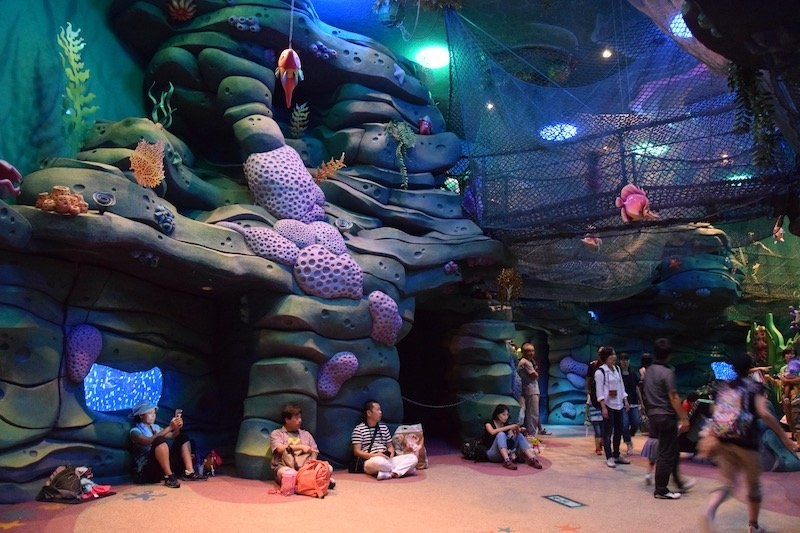 disneysea rides for toddlers - ariels playground 800