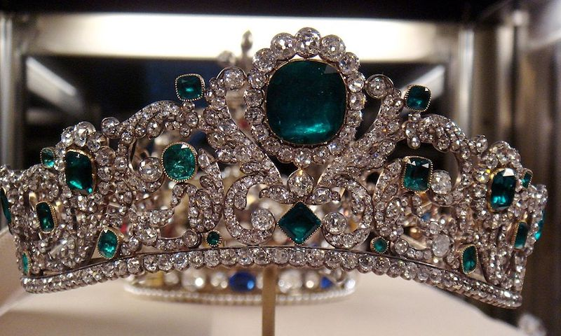 french crown jewels at the louvre pic