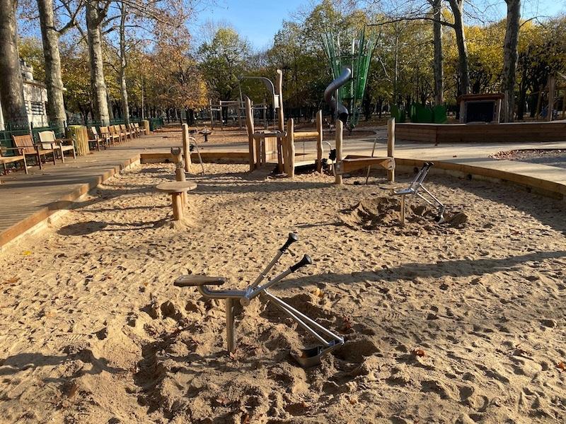 jardin du luxembourg playground sandpit pic