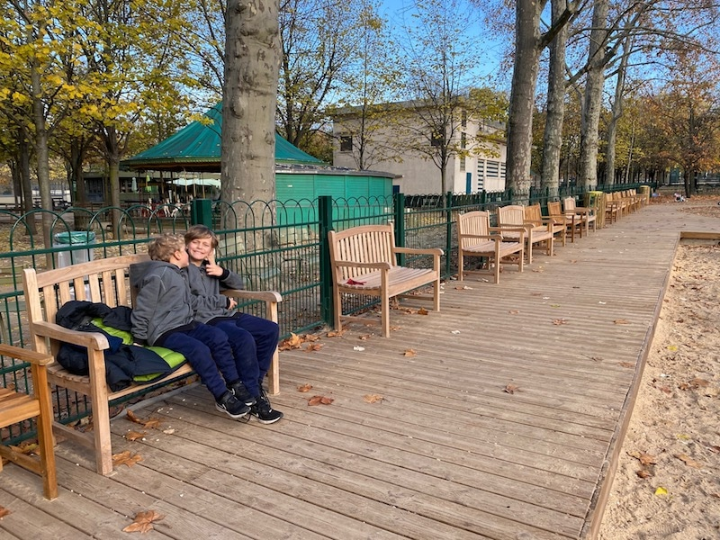 seating at jardin du luxembourg playground pic