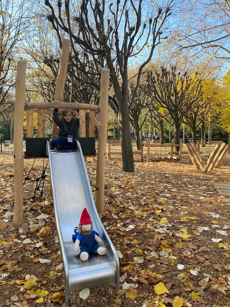 jardin du luxembourg playground slide with Ned and Roam the Gnome pic