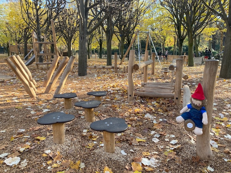 jardin du luxembourg playground for toddlers