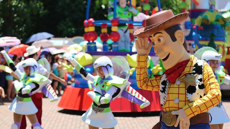 hong kong disneyland parade with toy story characters by markylim