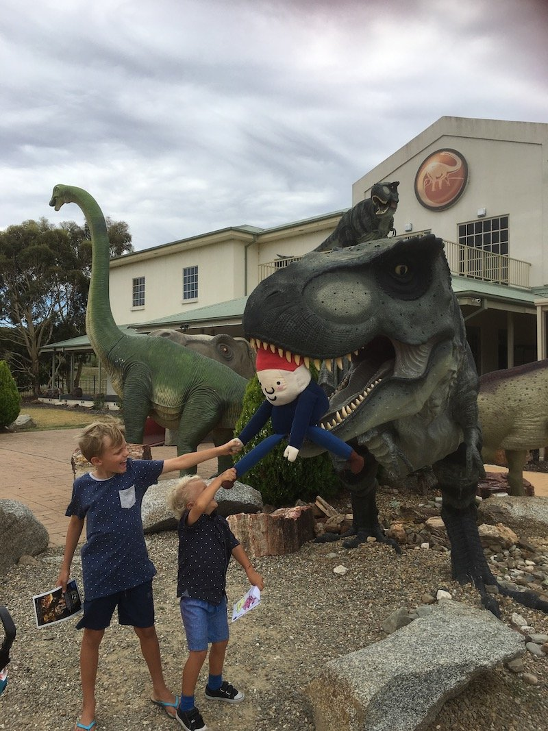 Dinosaur Museum of Canberra replicas pic