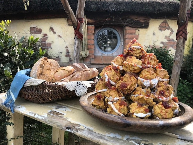 hobbiton movie set tour food props pic