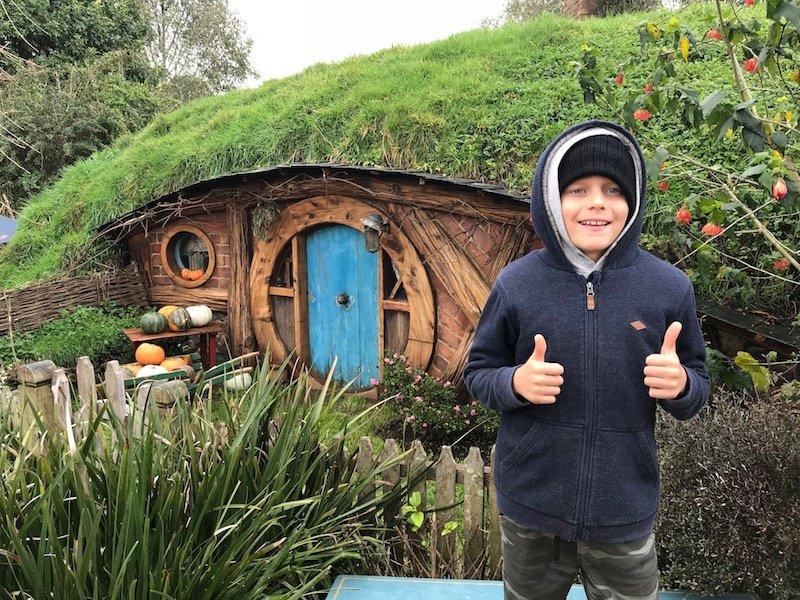 hobbiton movie set tours in new zealand hobbiton blue door pic