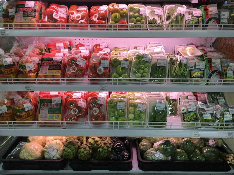 Carrefour Bali Supermarket fresh fruits and vegetables aisle pic