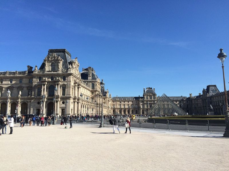 Visiting the Louvre pyramid