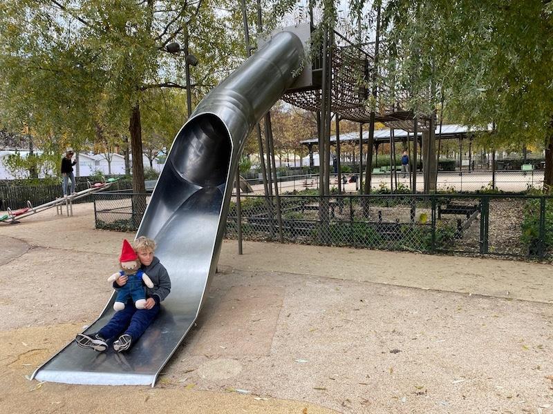 jardin des tuileries paris playground big slide pic