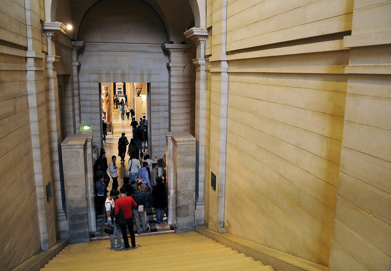 louvre museum staircase pic