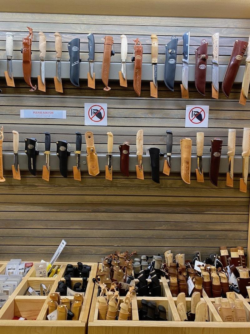 santa claus village shops - maartini knives of finland