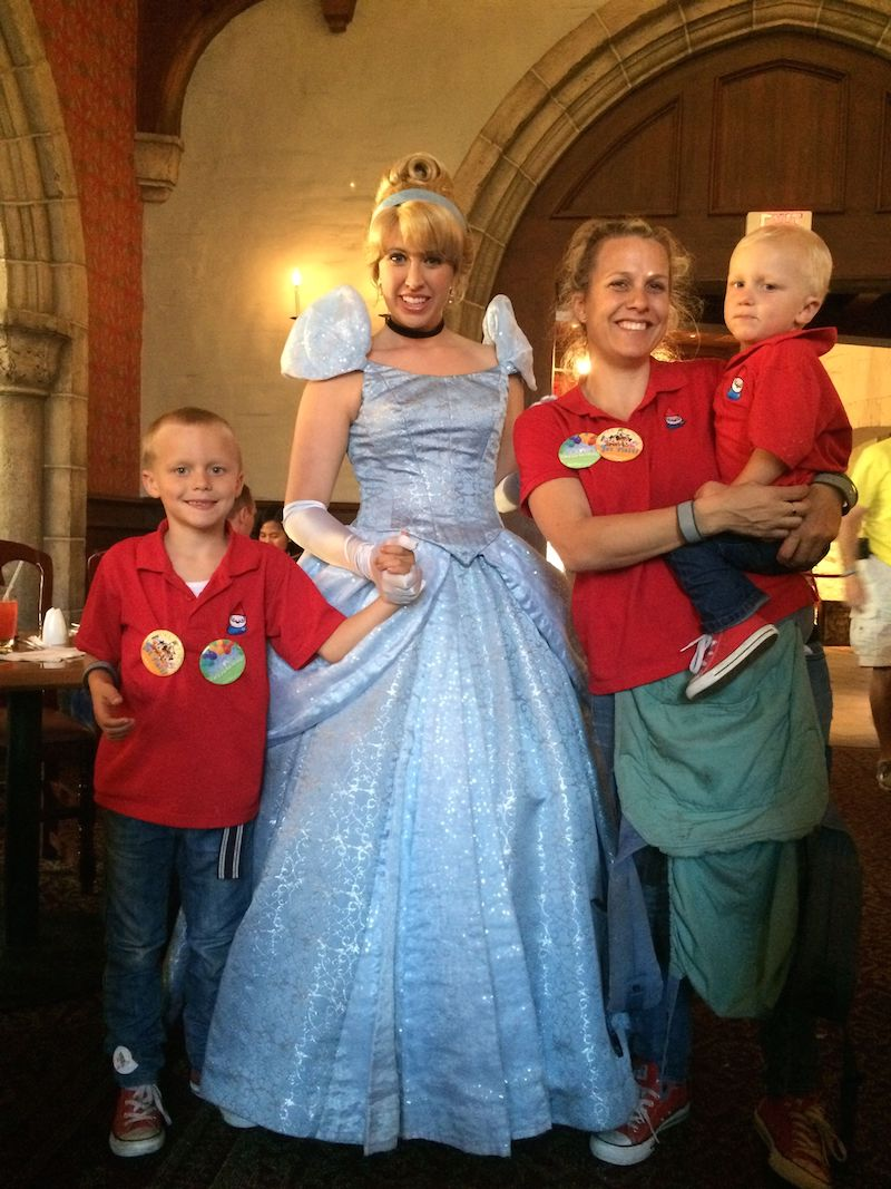 akershus castle dinner witht the princesses at epcot 800