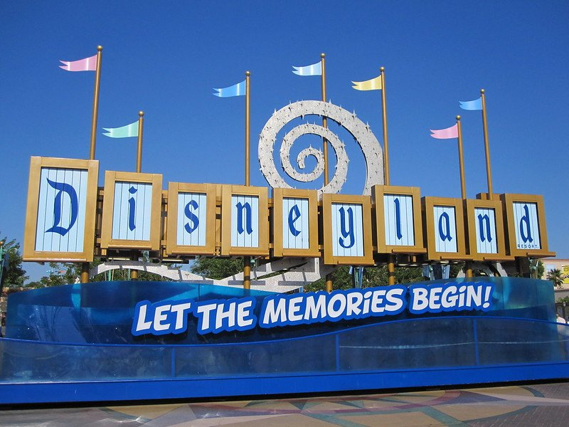 disneyland resort pic by meahtsingan flickr
