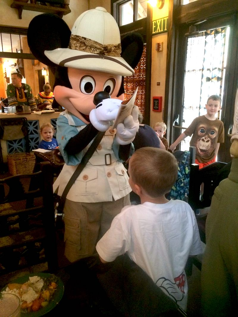 tusker house character meal at disney world 800