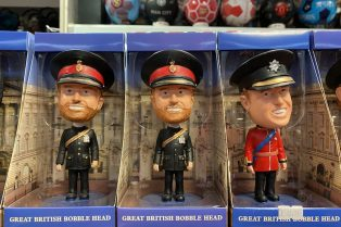 harry and william bobble heads 800