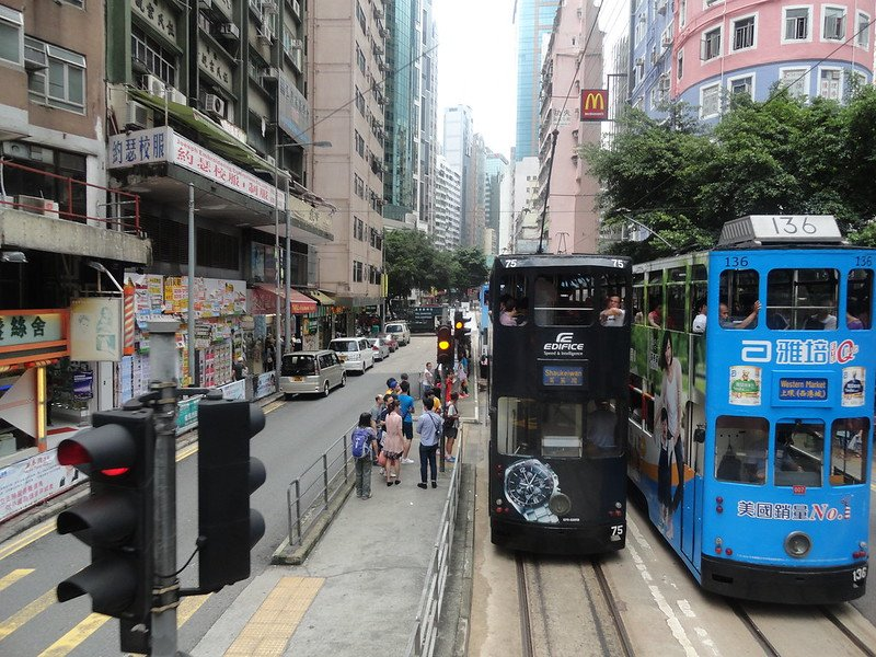 hong kong ding dong trams close together pic
